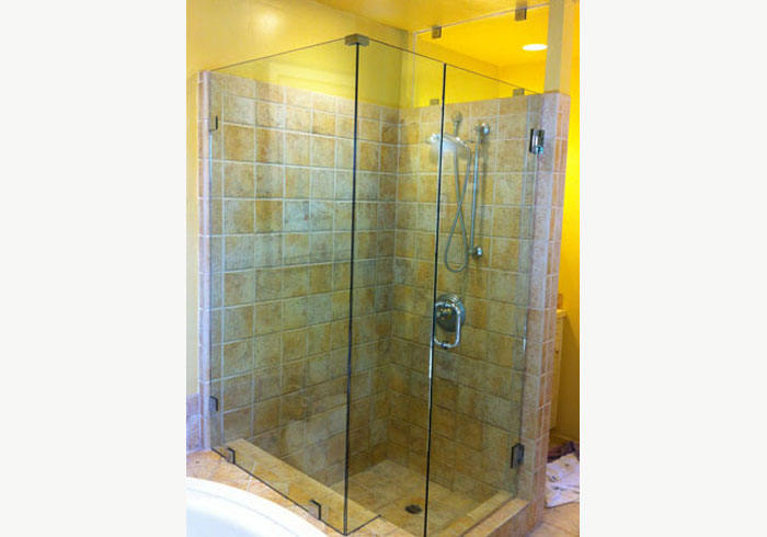 Frameless Glass Bath Enclosure