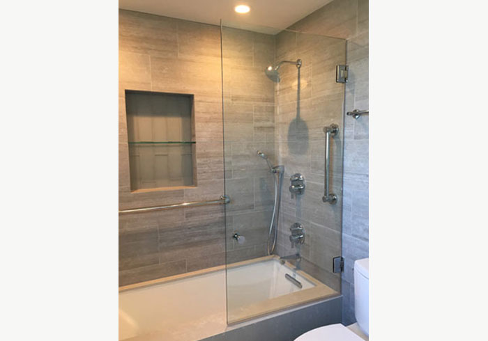 Shower and Tub Enclosure in La Jolla, CA